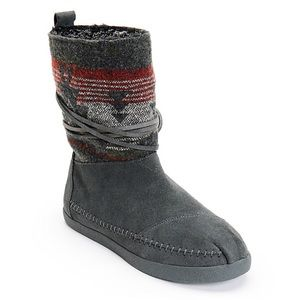 Great Condition TOMS Nepal Boots